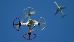 FAA finally sets rules for piloting small drones